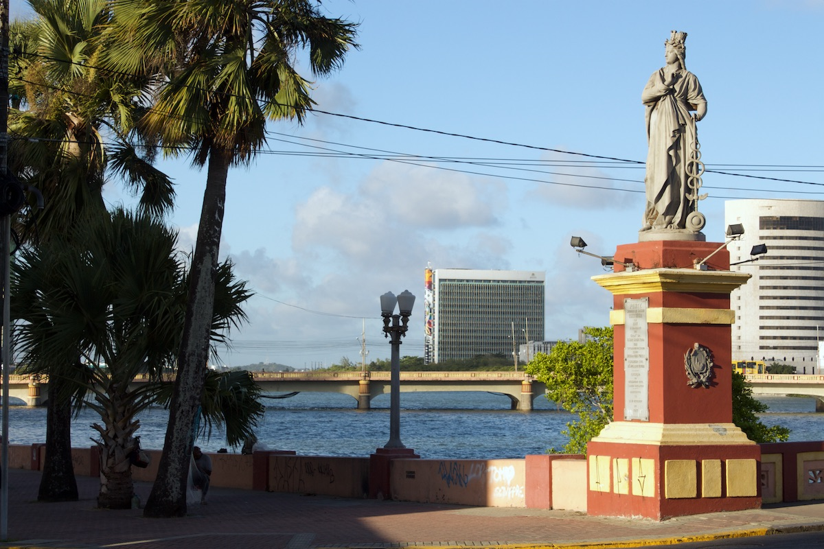 http://www.recifeartepublica.com.br/escultura/fotos/Estátuas A Cultura, A Lavoura, A Justiça e o Comercio
