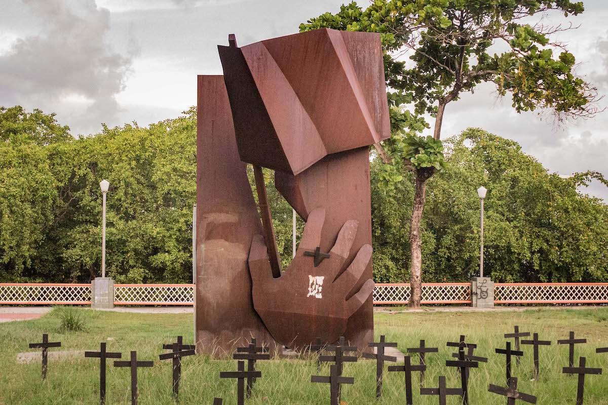 http://www.recifeartepublica.com.br/escultura/fotos/Rua da Aurora