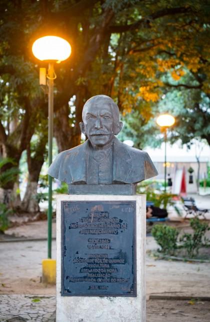 Busto do escritor Eça de Queiroz