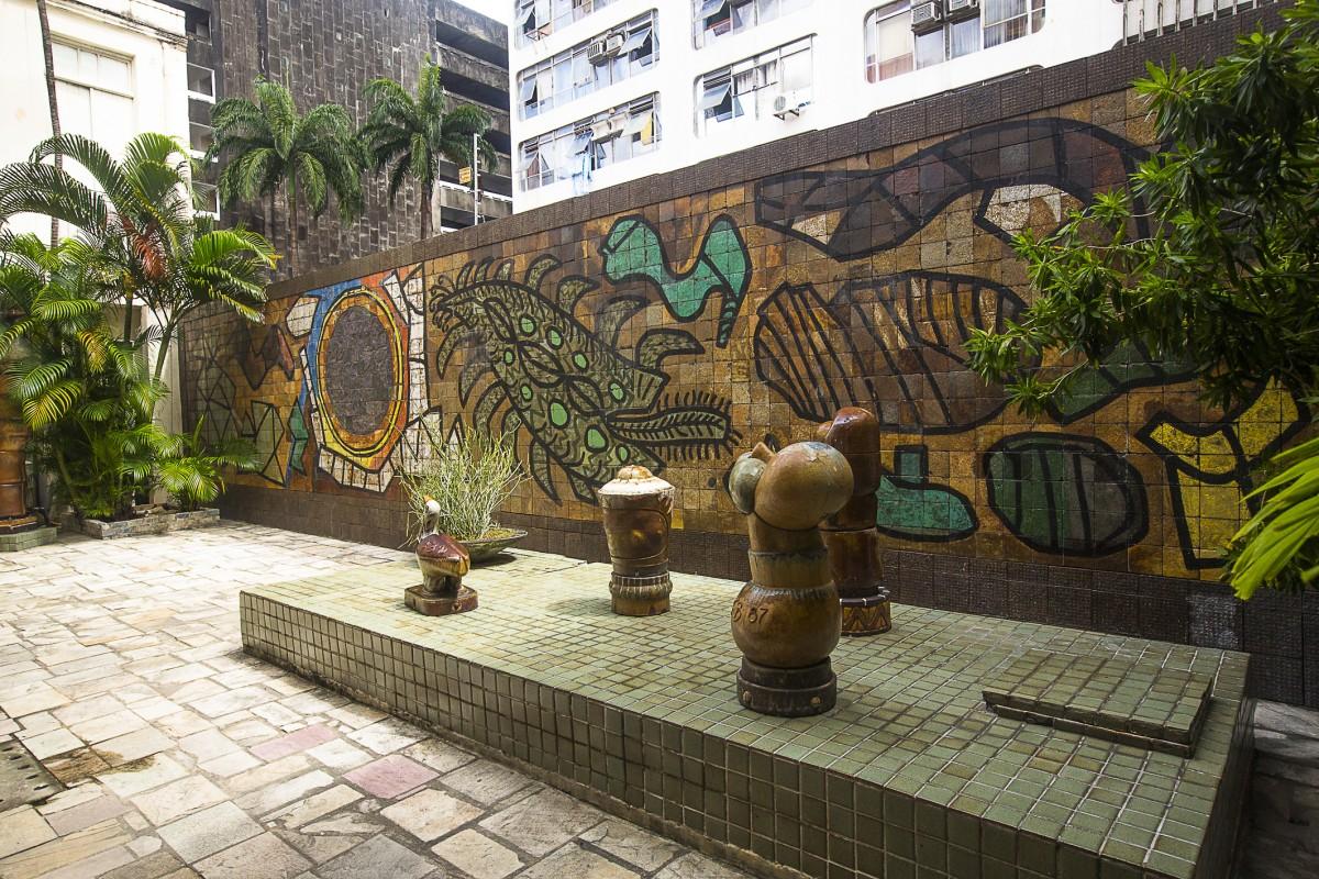 http://www.recifeartepublica.com.br/fotos/O Grande Sol, 1965–1996