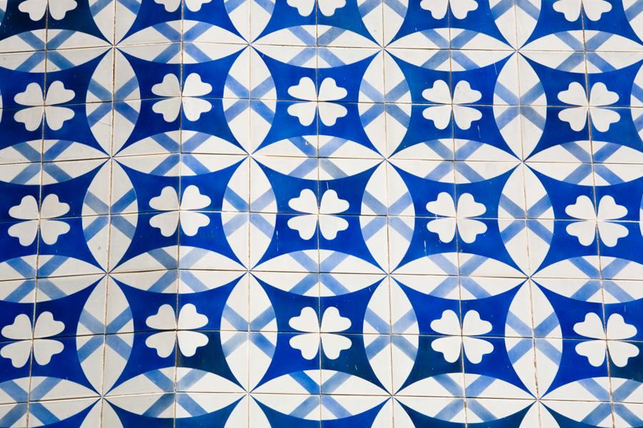 http://www.recifeartepublica.com.br/fotos/Painel para fachada do Edifício Acaiaca, 1958